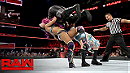 Sasha Banks & Bayley vs Charlotte & Nia Jax (WWE, Raw 11/21/16)