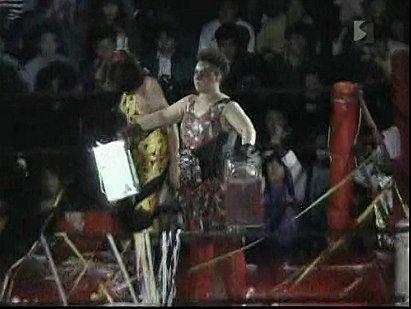 Aja Kong & Bison Kimura vs. Manami Toyota & Toshiyo Yamada (1990/03/20)