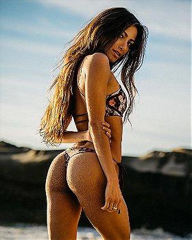 Tawny Janae