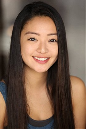 Chelsea Zhang The other kids think she only speaks chinese but she later reveals that she's american and speaks english. chelsea zhang