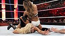 Charlotte vs. Nikki Bella (WWE, Hell in a Cell 2015)